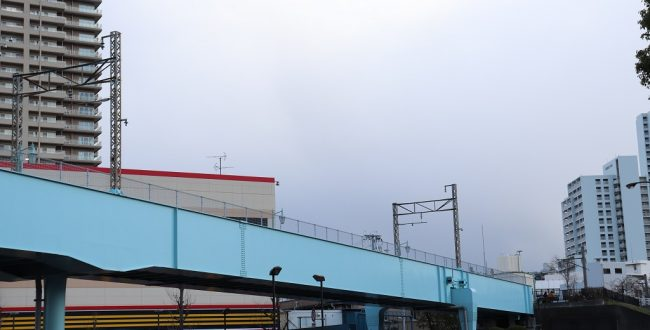 2号線をまたぐ橋