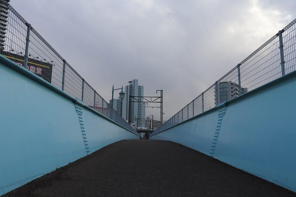 架線柱が残る橋