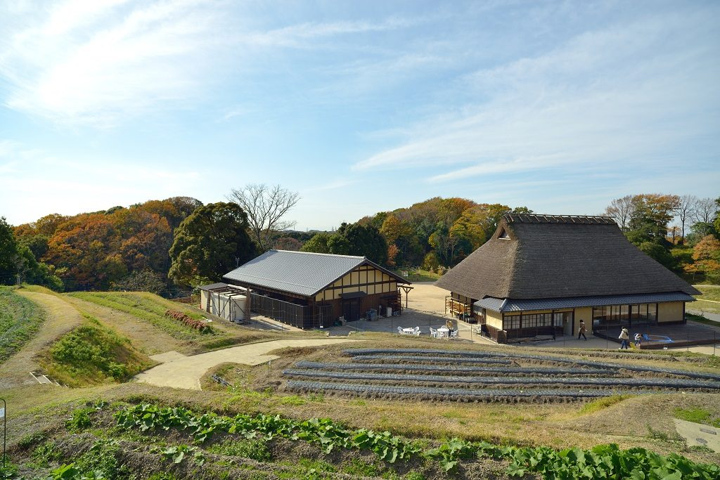 神戸地区 あいな里山公園 白拍子の家 遠景