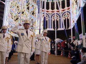 神戸ルミナリエ消灯式敬礼