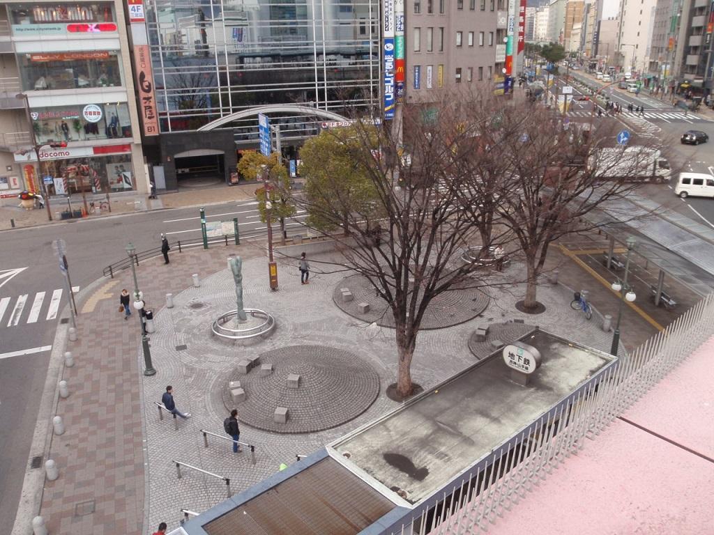 従来の「さんきたアモーレ広場」(通称「パイ山」「でこぼこ広場」)
